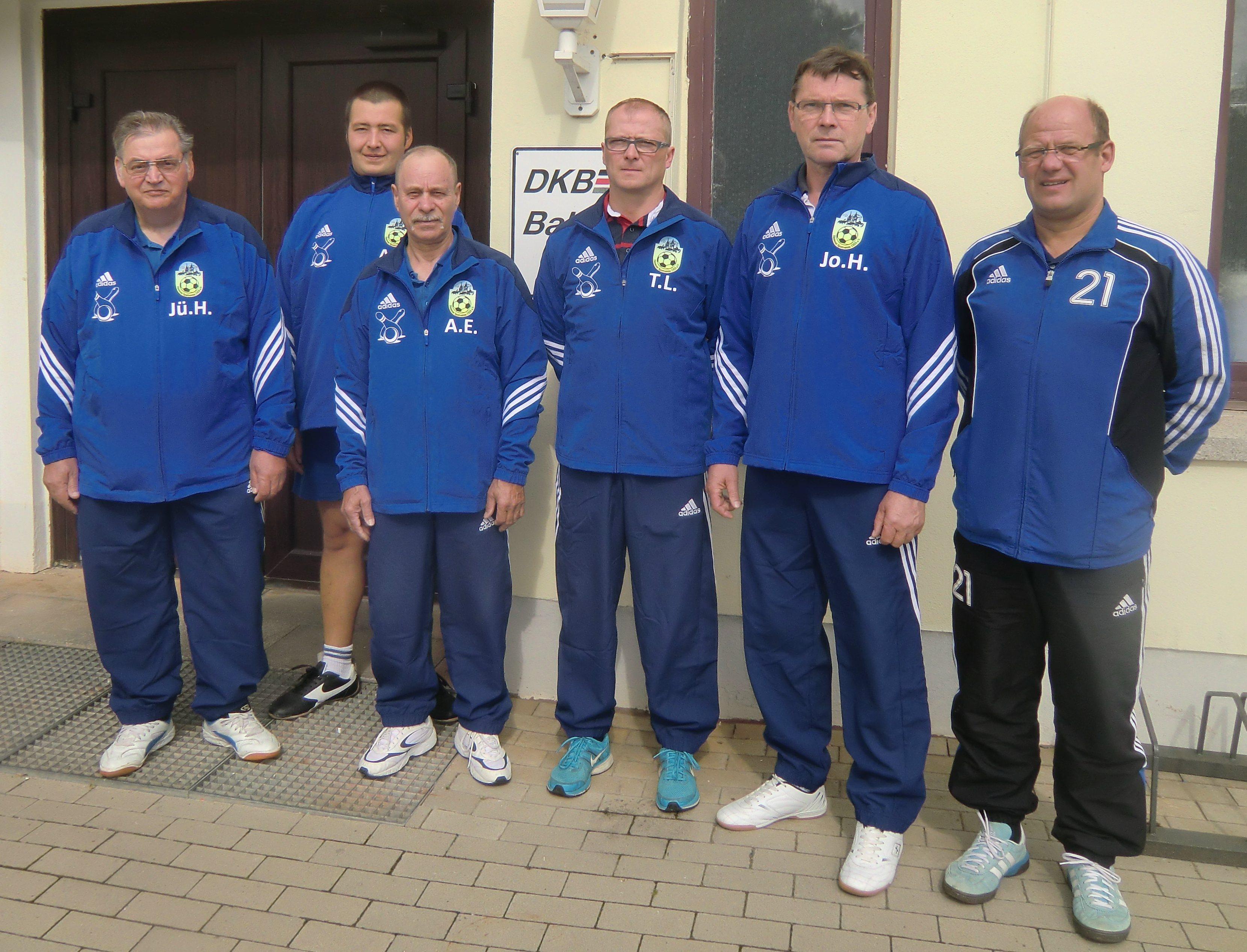 Neue Trainingsanzüge für Kegler des HSV